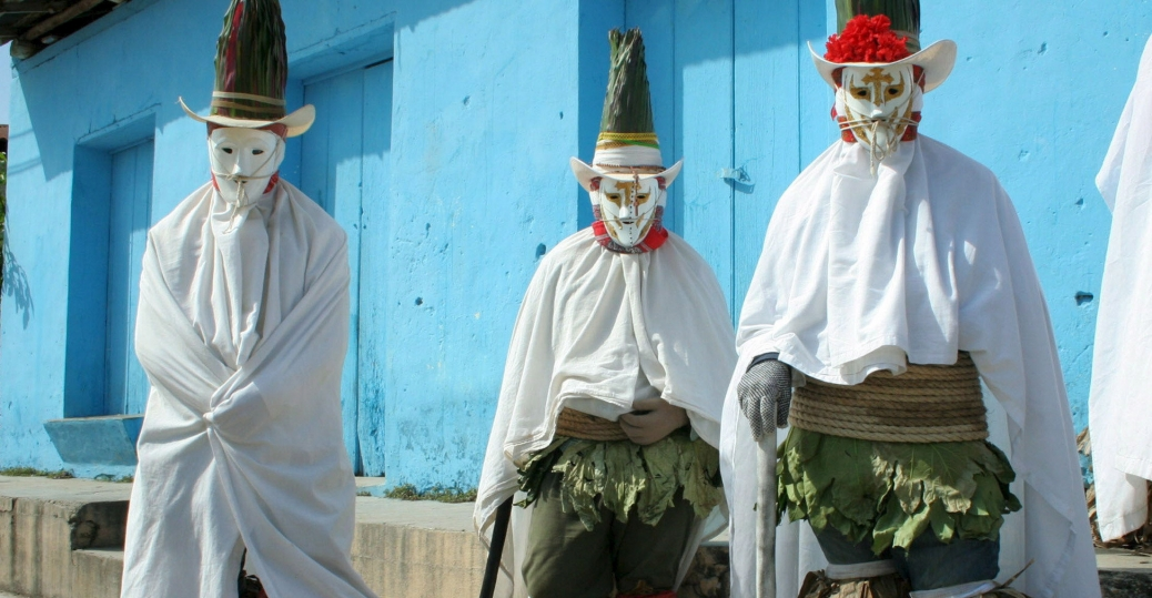 danza del poncho, indigenous peoples, carnival, festivities, prehispanic ceremony, dancers, tabasco, mexico