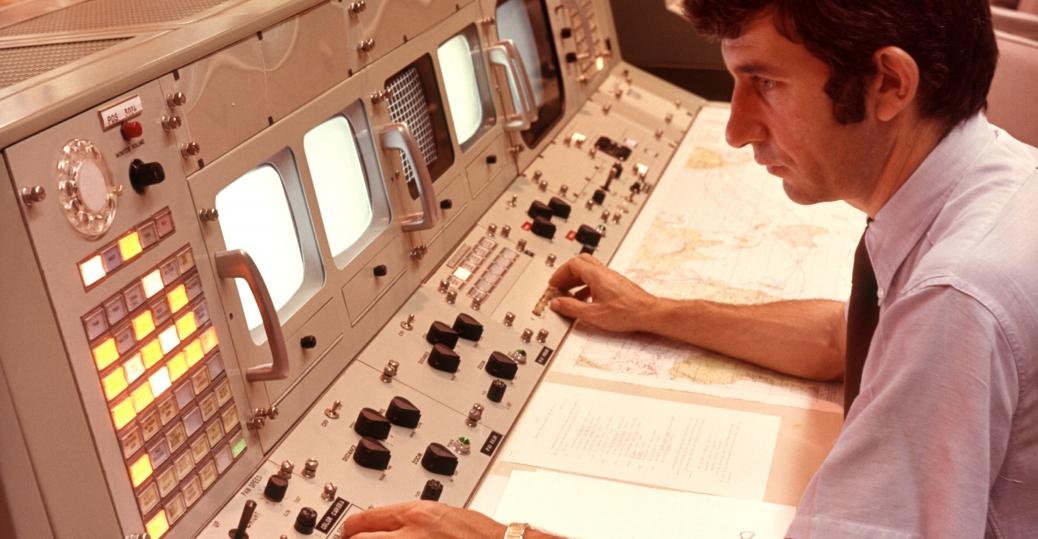 nasa, computers, apollo spacecraft, navigation systems, 1970s, nasa mission control, houston, texas, computer inventions