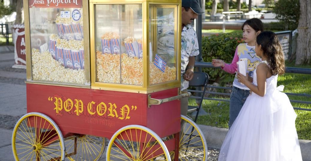 aguascalientes, mexico, popcorn vendor, plaza de las tres centurias