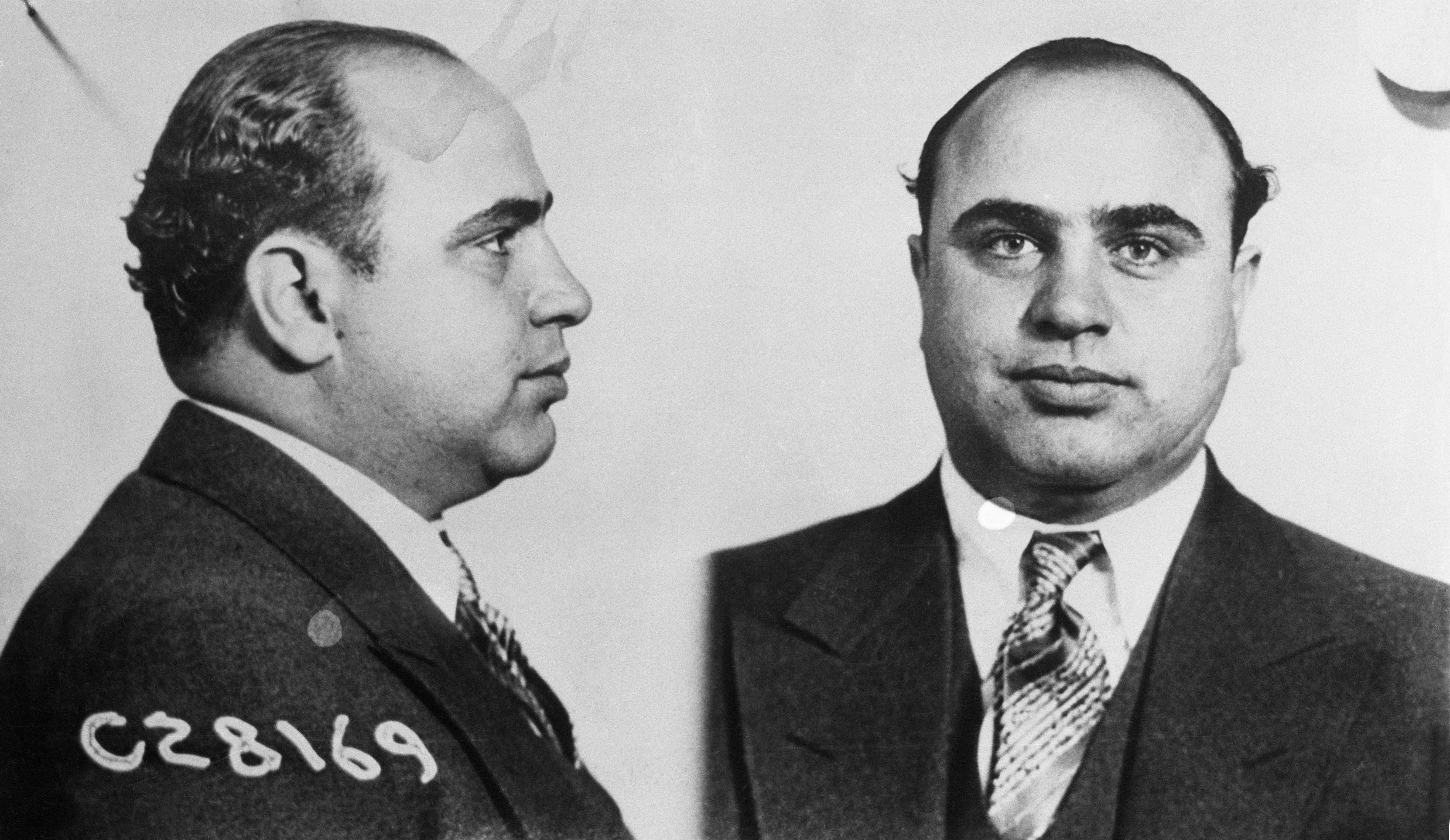 mugshot of gangster al capone al capone and prohibition pictures  al capone alphonse capone scarface organized crime chicago 1920s gambling