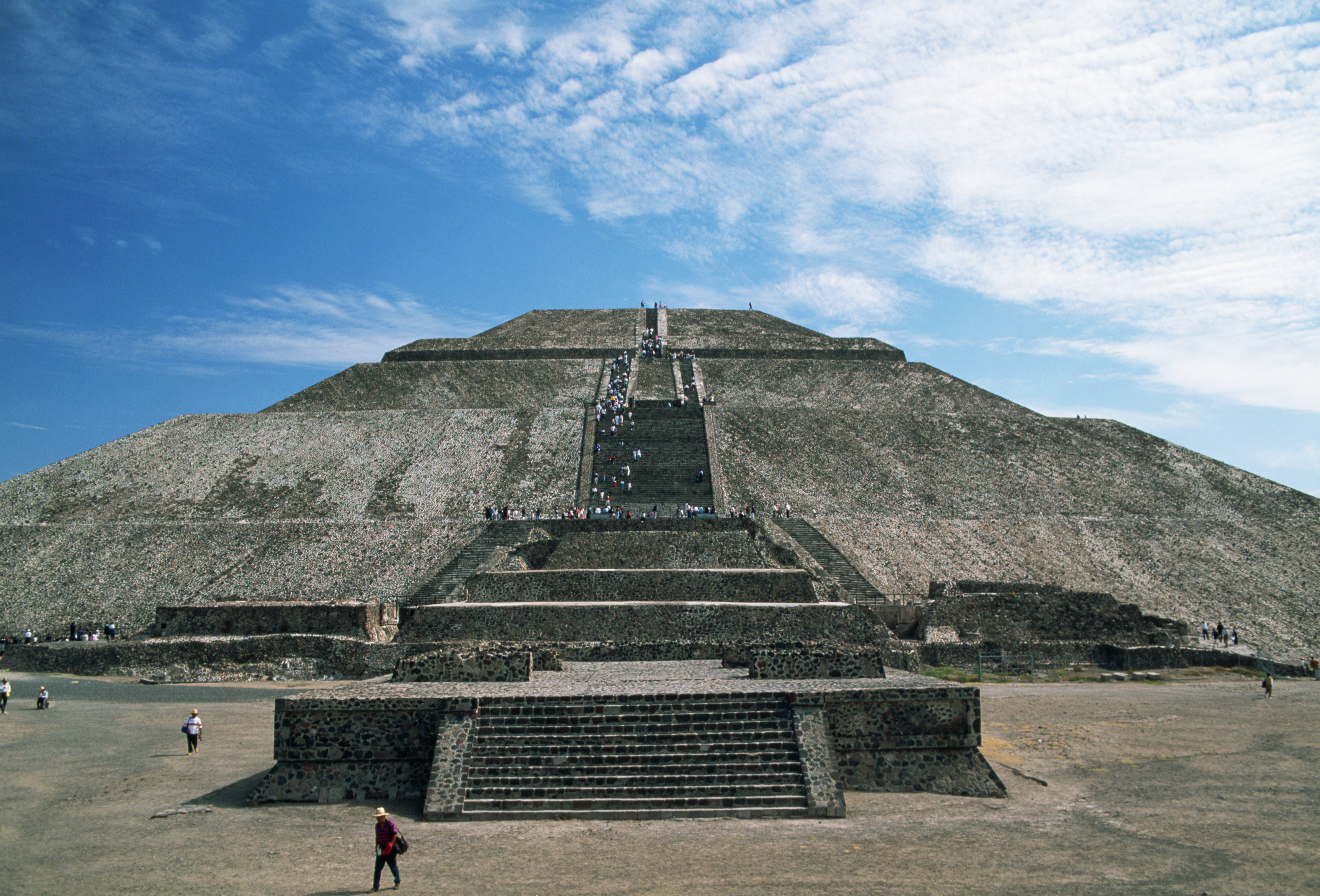the pyramids of teotihuacan history essay Around 650 ad the teotihuacan influence slowly began to decline essays related to mexican history 1 mexican history mexican history pre-columbian ancient mexico is home to some of the earliest and most advanced civilizations in the western hemisphere.