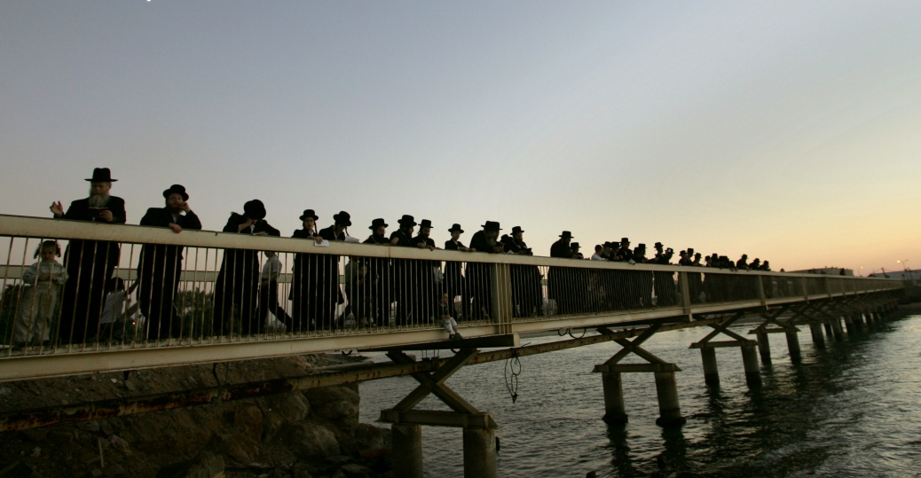 ritual of tashlich, mediterranean sea, the new year, rosh hashanah