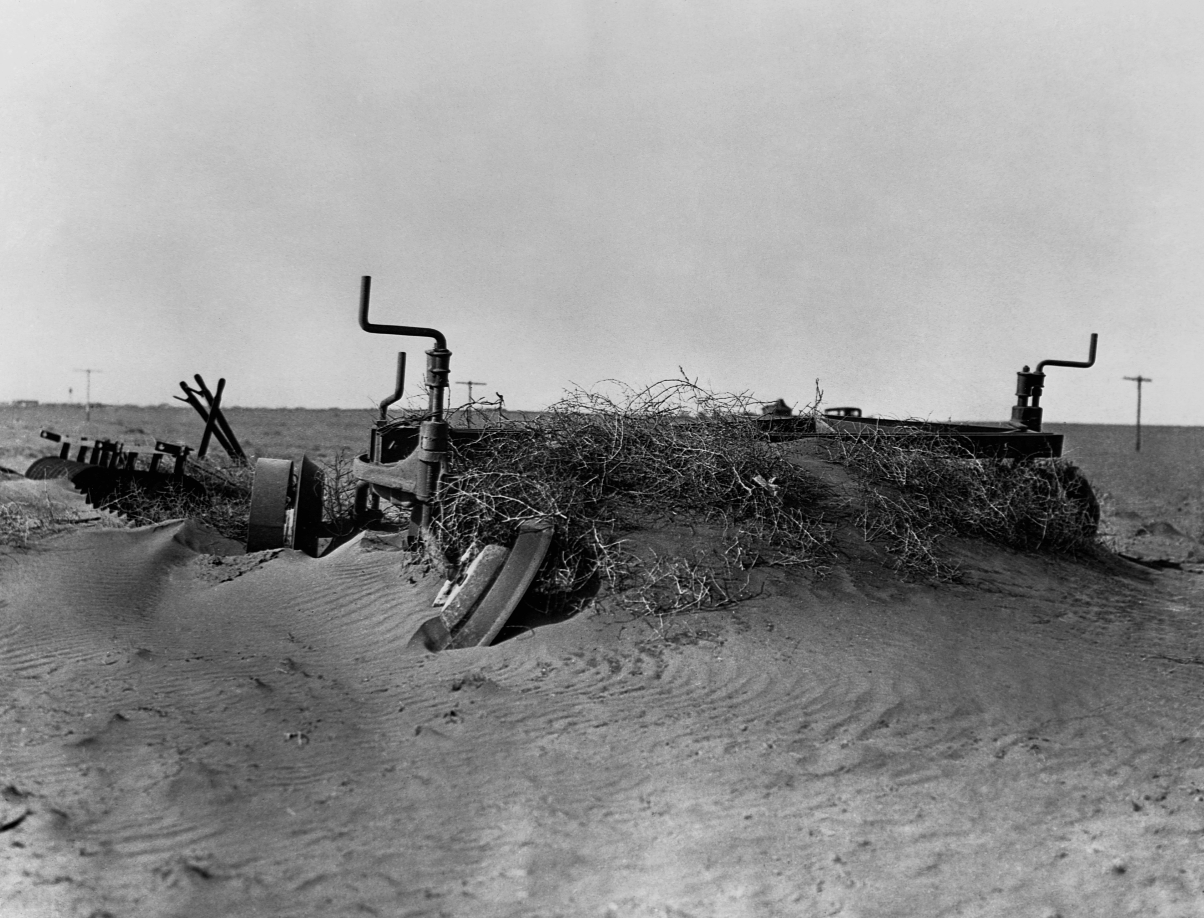 a history of the dust bowl in the united states What was the dust bowl the dust bowl, which is also referred to as the dirty thirties, was an era where a terrible wind blew dirty and loose sand wreaed havoc on society, agriculture, and the economy of midwestern united states at the time, the midwest had alr.