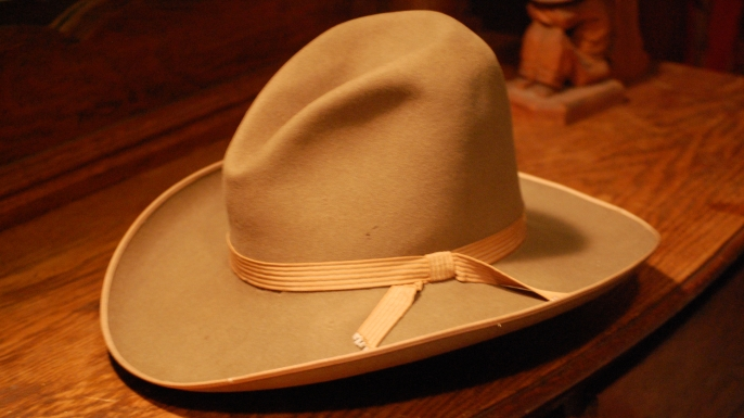 Why do we call it a 10-gallon hat? - Ask History 10 Gallon Cowboy Hat Front