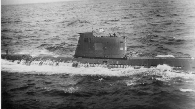 list 5 cold war close calls b-59 sub