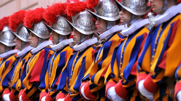 list 6 Legendary Mercenary Armies  Swiss Guard Are Sworn In