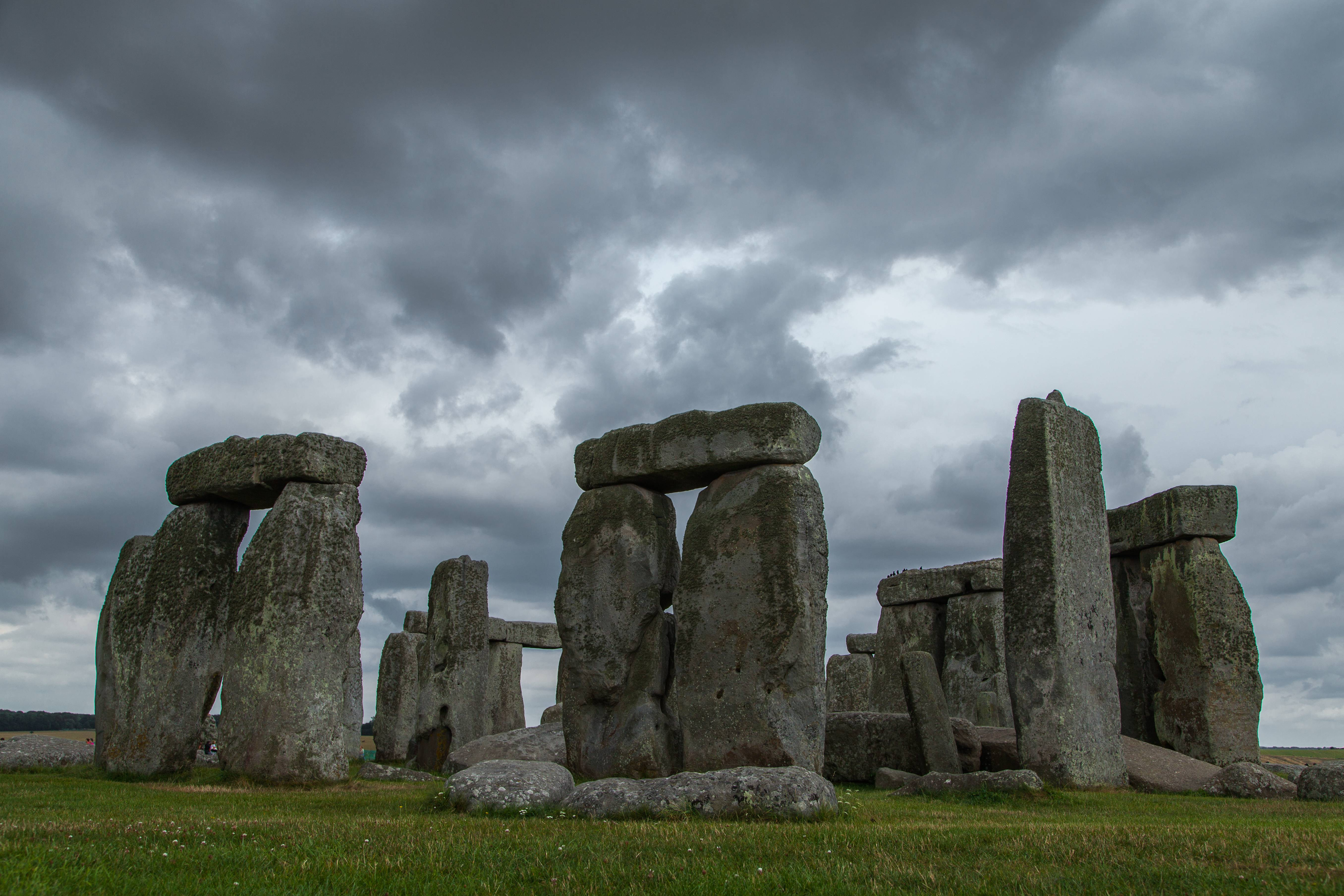 the story connected with stonehenge