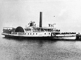 The River Queen steamship