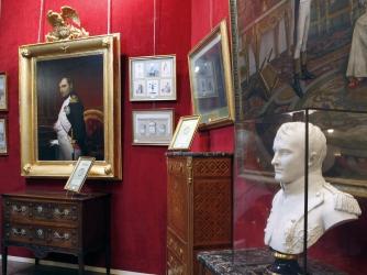 Napoleon's Hat Fetches $2.4 Million at Auction