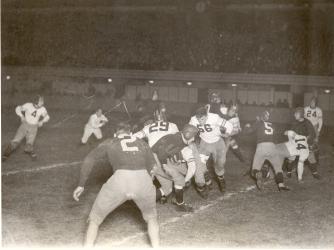 1932 championship game (Credit: Pro Football Hall of Fame via AP Images)