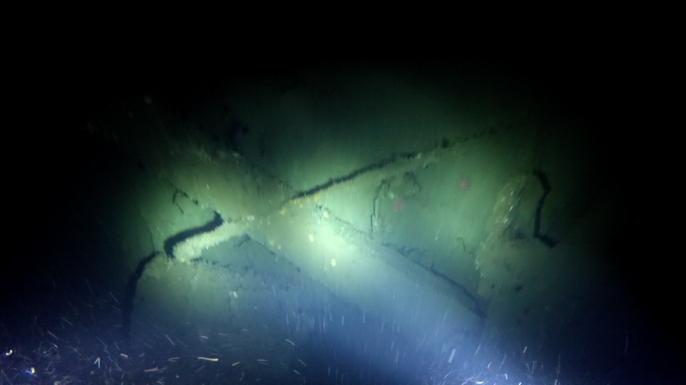 Terra Nova's mast as seen by Schmidt Ocean Institute's cameras.