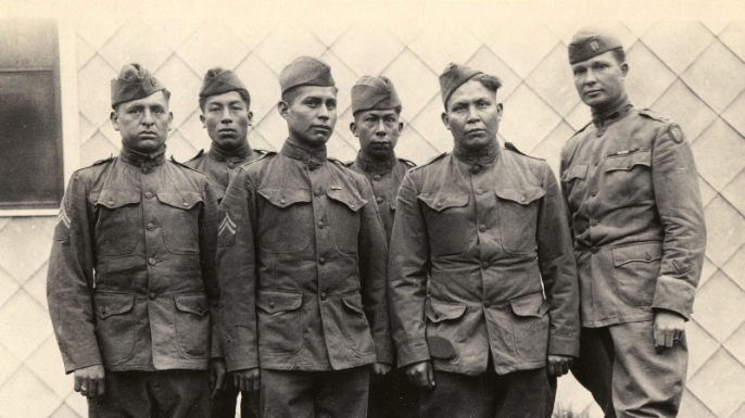 hith-wwi-native-american-code-talkers-choctaw_code_talkers-800x701