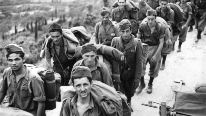 Italian prisoners of war captured by Germany in 1943. (Credit: Wikimedia Commons)