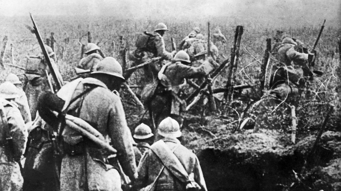 French soldiers coming out of their trenches. (Credit: Public Domain)