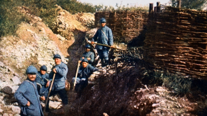 French soldiers in front of the Voevre. Battle of Verdun. (Credit: Galerie Bilderwelt/Getty Images)