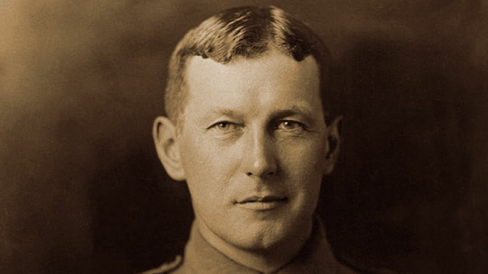 John McCrae in uniform. (Credit: Public Domain)