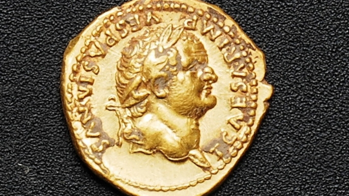 Gold coin, c. 74-78 A.D., found during the excavations. (Credit: Soprintendanza Pompei)