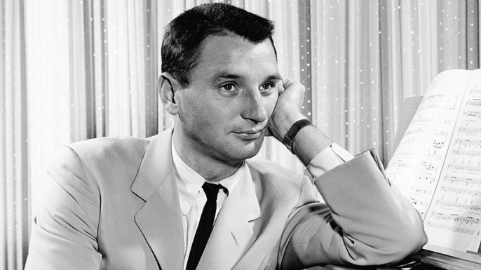 American actor, pianist and songwriter Bobby Troup. (Credit: Silver Screen Collection/Getty Images)