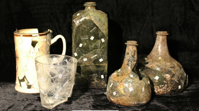 Items recovered from the site of the tavern. (Credit: Sarah Jane Ruch/Museum of the American Revolution)