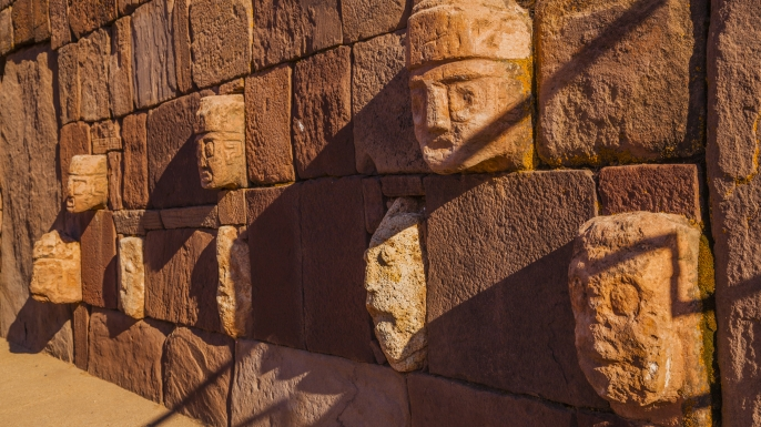 Faces on wall of Tiwanaku.