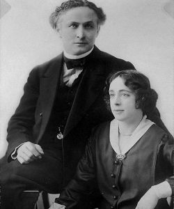 Houdini and his wife Bess, who later organized séances to contact his ghost