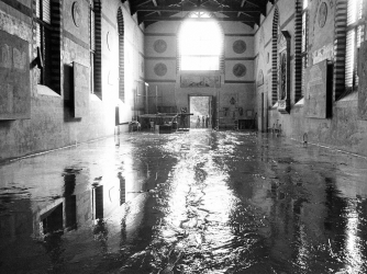 Picture of the Museum of Santa Croce in Florence after the flood, 04 November 1966. (Credit: RAFFAELLO BENCINI/Getty Images)
