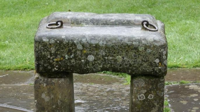 Replica of the Stone of Scone. (Credit: Bubobubo2/WikimediaCommons)