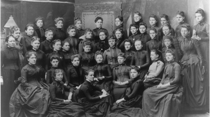 Female physicians, late 19th century. Susan LaFlesche is in the second row from the back, fourth woman from the right. (Credit: Legacy Center, Drexel University College of Medicine)