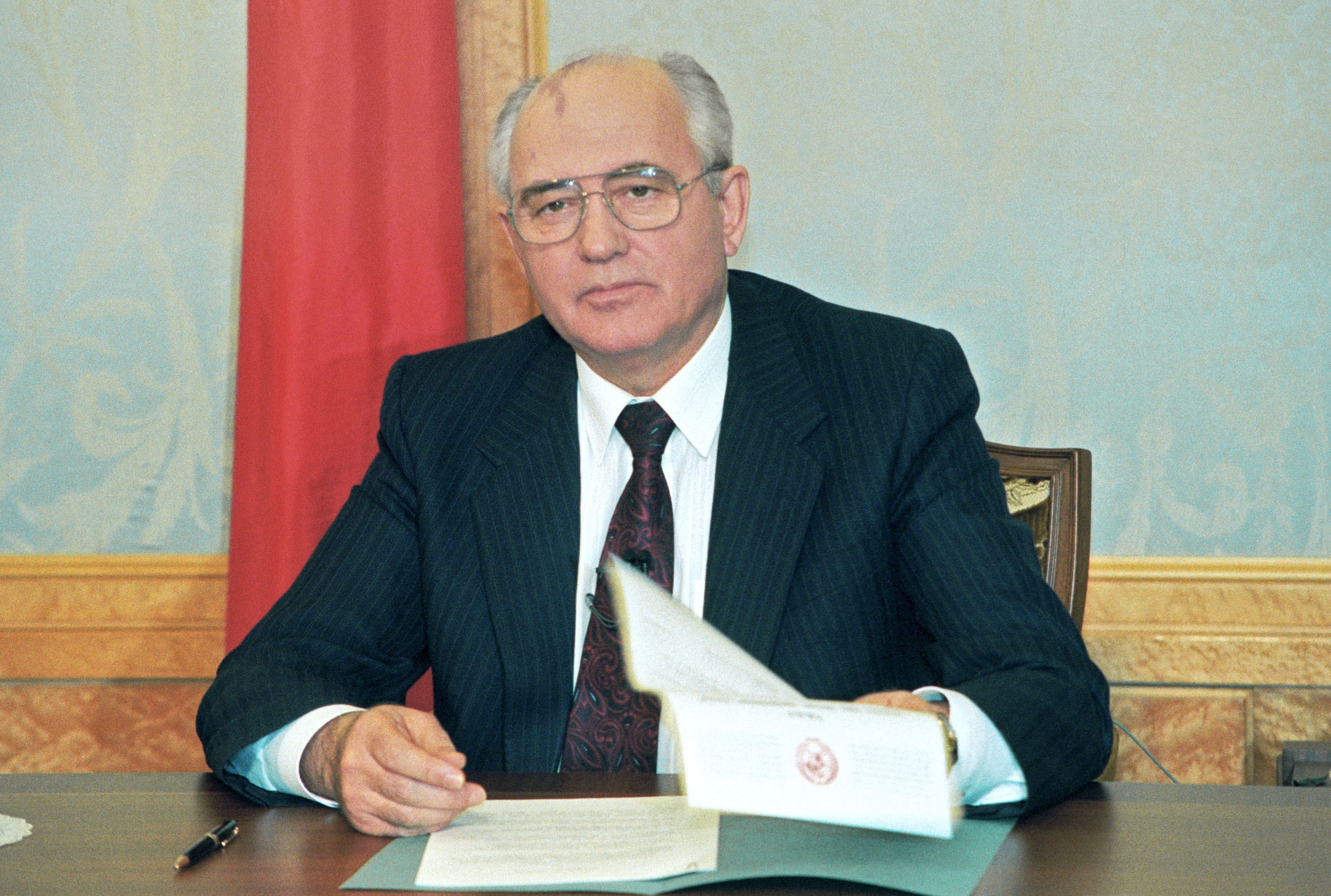 Image result for soviet president mikhail gorbachev resigned