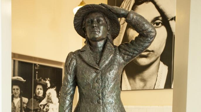 Annie Moore statue, Ellis Island. (Credit: Richard T. Nowitz/ Getty Images)