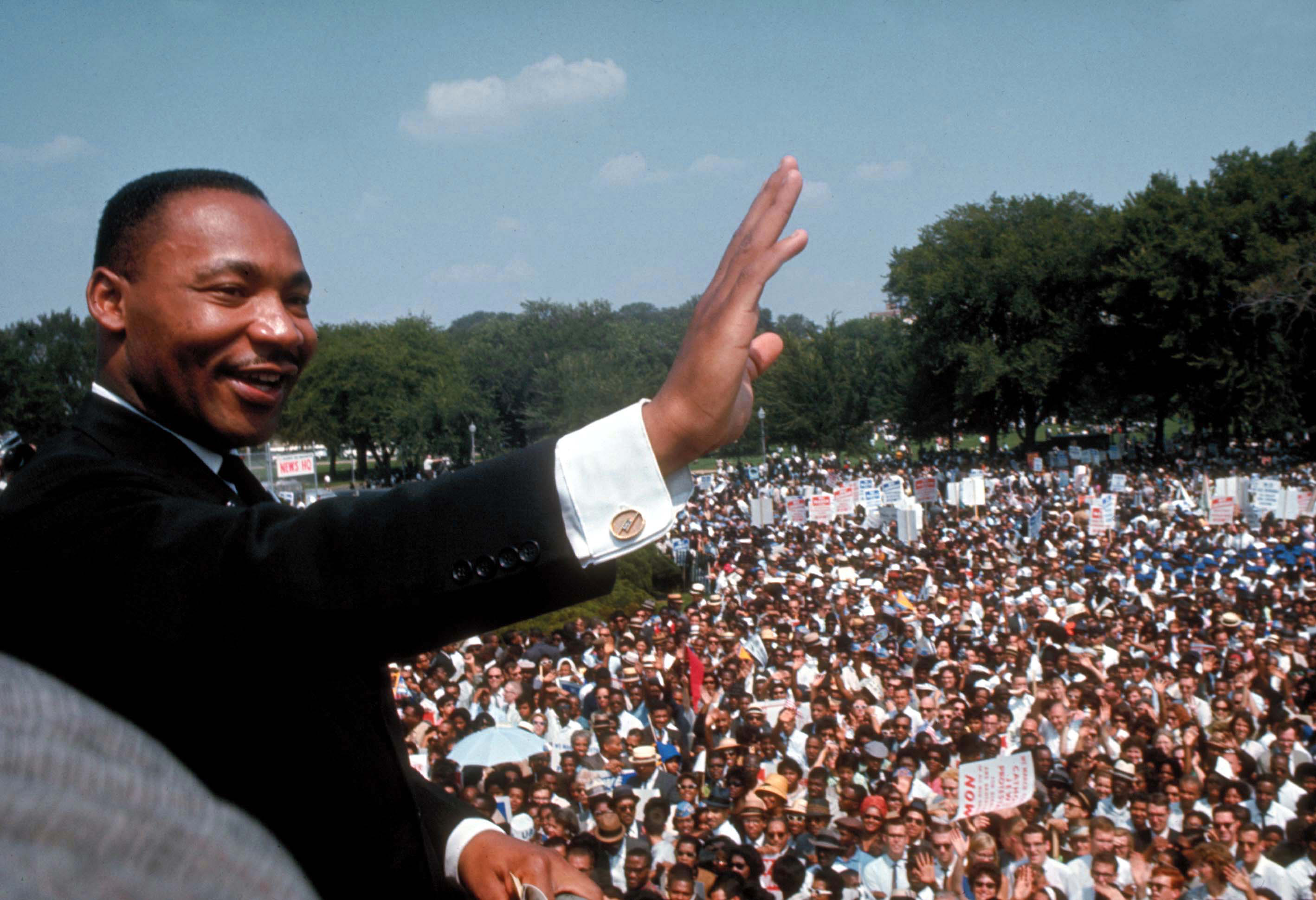 alternate take what if martin luther king hadn t been killed martin luther king jr delivering his i have a dream speech at the