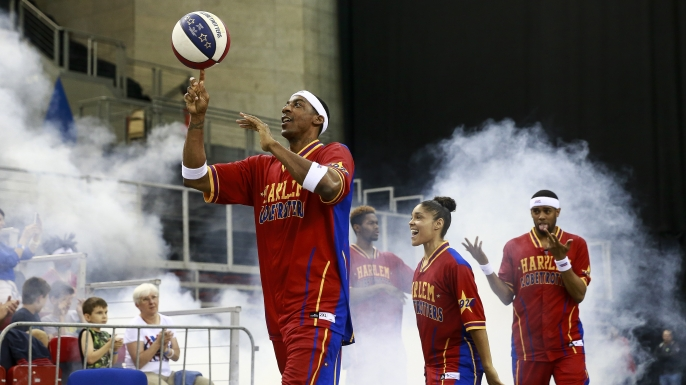 Members of the Harlem Globetrotters arrive before an exhibition game against the World All-Stars at Arena on June 2, 2016 in Budapest,Hungary. (Credit: Arpad Kurucz/Anadolu Agency/Getty Images)