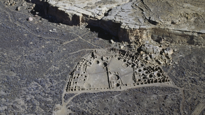 Ancient settlement of Anasazi of Pueblo Bonito. (Credit: DEA / G. CAPPELLI / Getty Images)