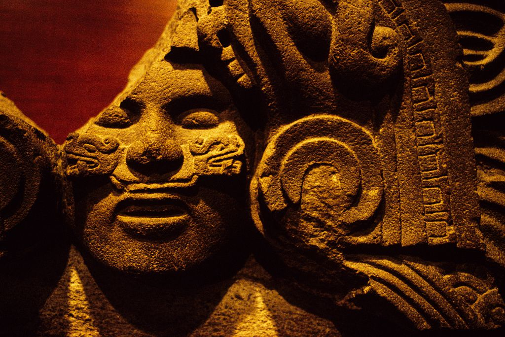 an introduction to the history of aztecs (click to print) introduction below is an excerpt from a history of new spain written by father diego durán, a dominican missionary sent to mexico to convert the indians after the fall of tenochtitlán.