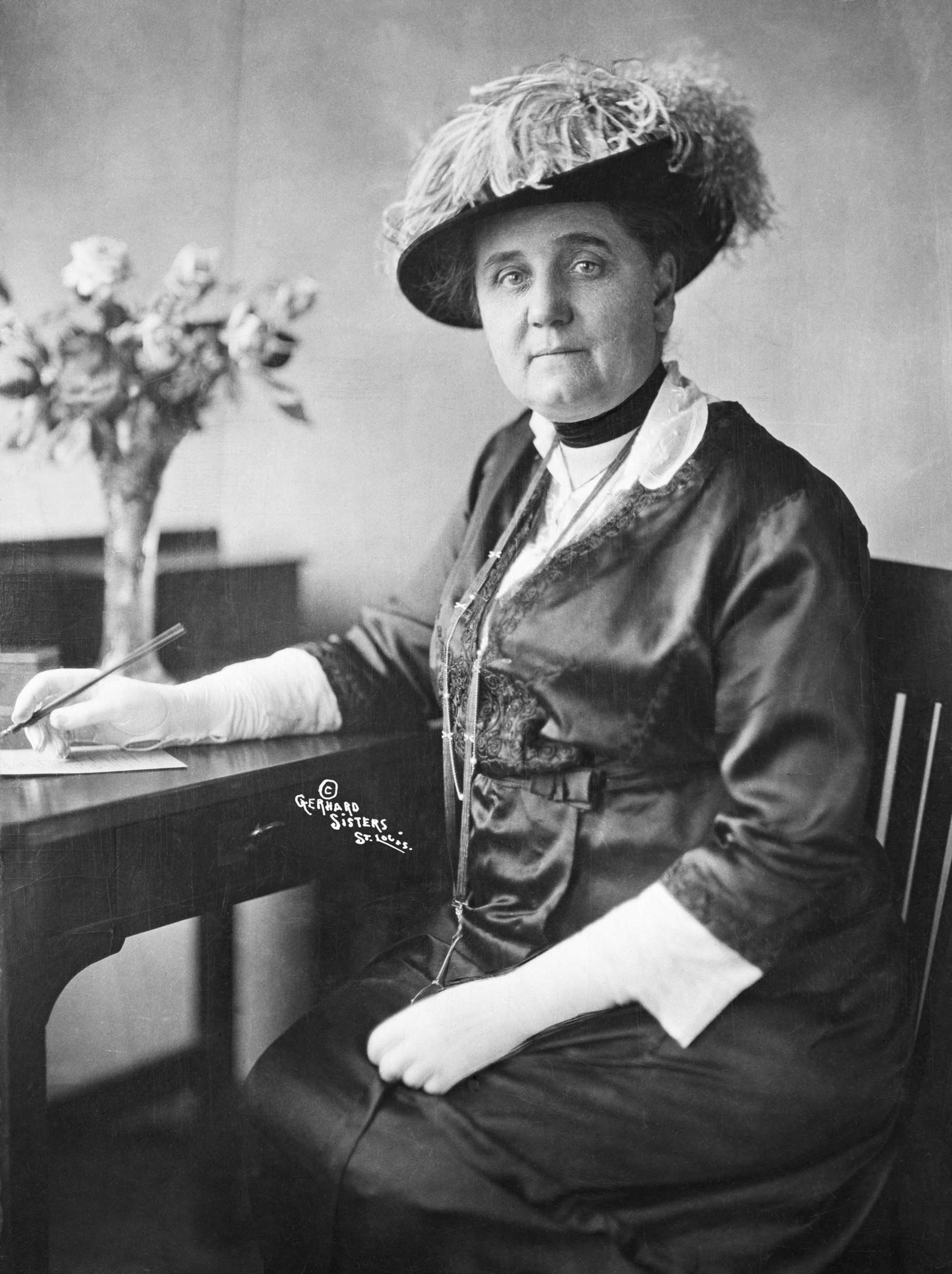 an analysis of the work by jane addams in the field of social justice Three sandboxes 2 this paper examines jane addams's influence on the emerging fields of public administration, social work, and sociology in the us1 the birth of these fields coincided with.