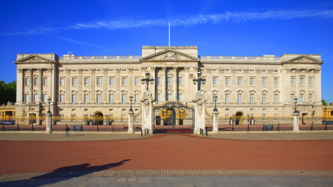 Frontal view on Buckingham Palace. (Credit: Pawel Libera/LightRocket/Getty Images)