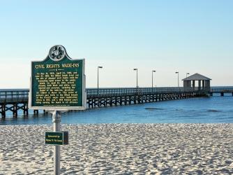 Civil Rights Marker on Biloxi Beach in Biloxi, Mississippi. (Credit: Dimitry Bobroff/Alamy Stock Photo)