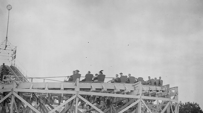 Coney Island roller coaster, 1915. (Credit: The Library of Congress)