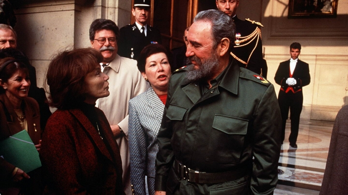 "Fidel Castro visiting Paris, accompanied by Danielle Mitterand, 1995. (Credit: Haley Witt/Sipa via AP Images) ""HALEY PHOTOGRAPHE"" ""WITT PHOTOGRAPHE"" ""VILLARD PHOTOGRAPHE"" FRANCE PARIS VISITE ""CASTRO FIDEL ACCOMPAGNE"" ""MITTERRAND DANIELLE ACCOMPAGNE"" ""IMAGE NUMERISEE"""