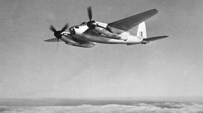 De Havilland Mosquito in flight. (Credit: Bettmann/Getty Images)