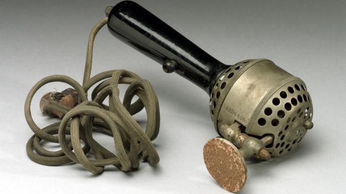 Handheld electric vibrator, 1909. (Credit: SSPL/Getty Images)
