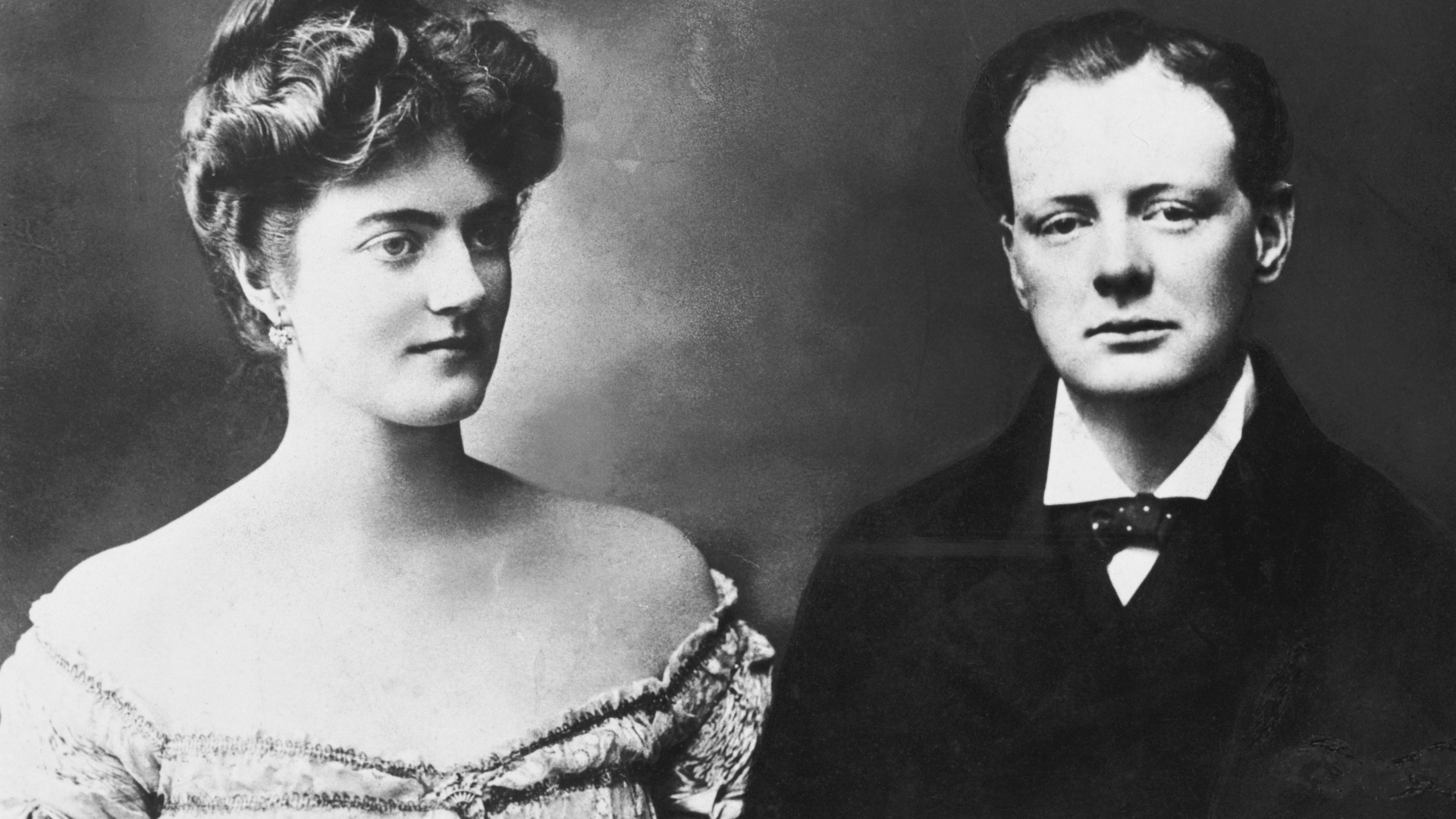 The engagement picture of Winston Churchill and Clementine Hozier. (Credit: Bettmann Archive/Getty Images)