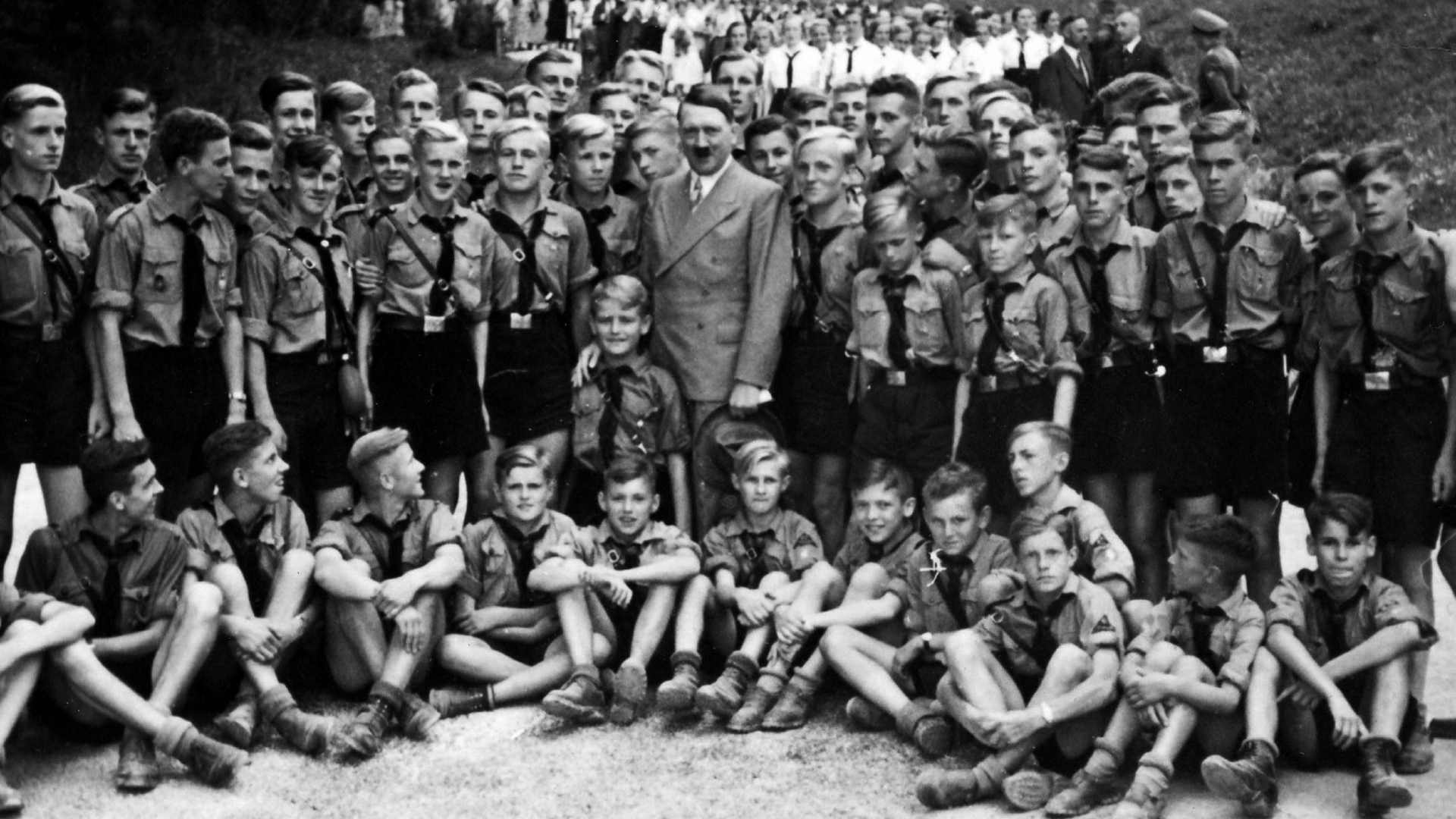 the history of the nazi party On 5th january 1919, anton drexler together with gottfried feder and dietrich eckart founded the deutsche arbeiterpartei dap (german workers' party) drexl.