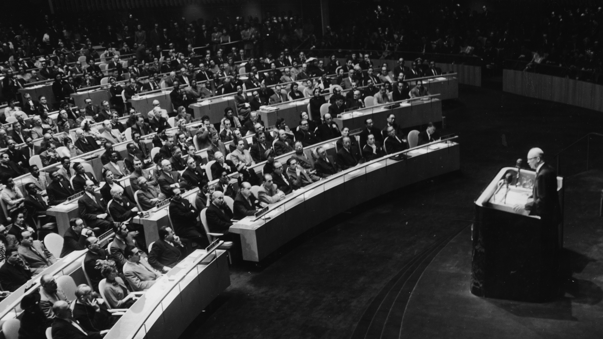 President Eisenhower addressing the United Nations concerning the Atom Bomb Plan, 1953. (Credit: Keystone/Hulton Archive/Getty Images)