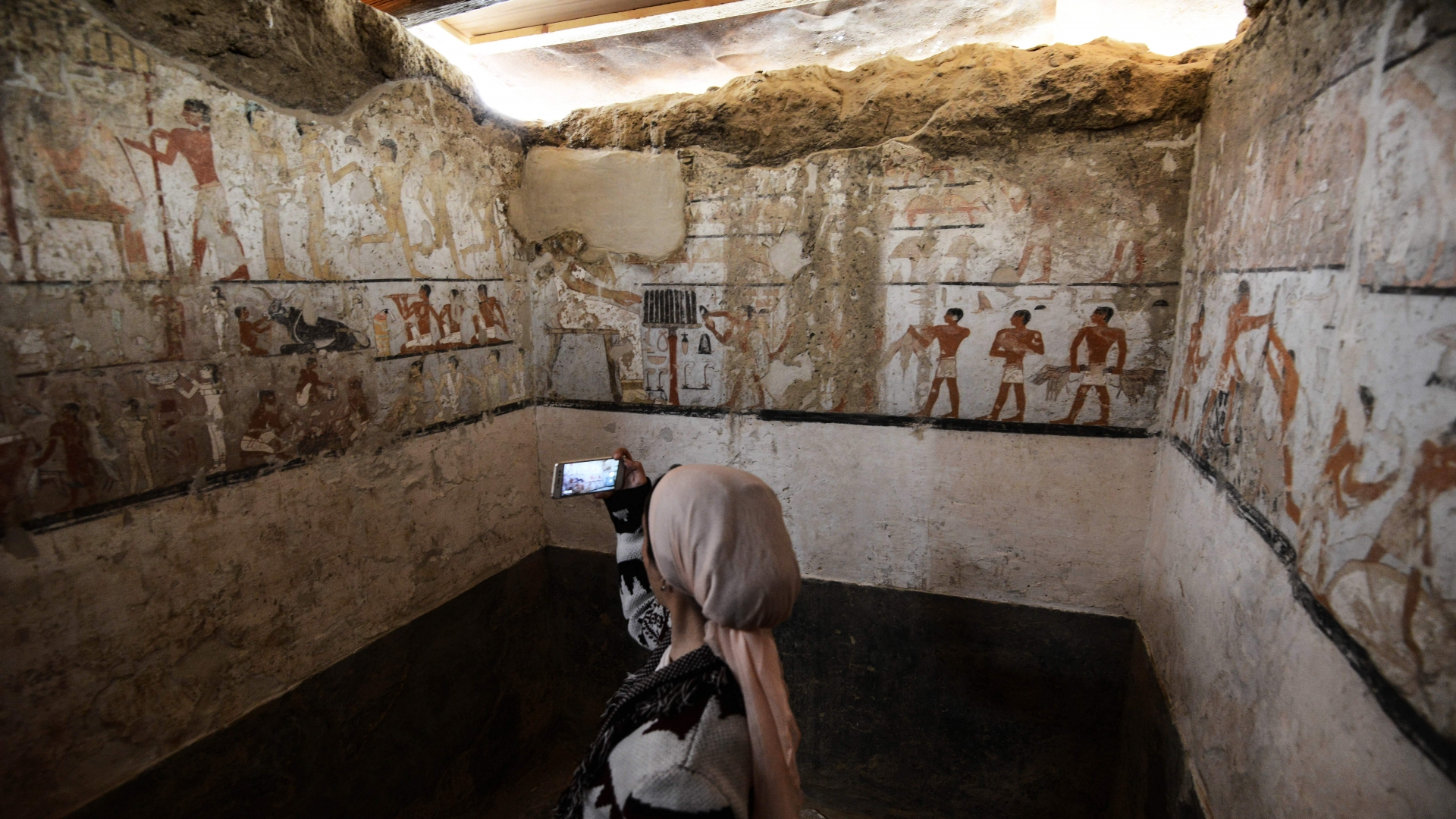 Inside the tomb of an Old Kingdom priestess. (Credit: Mohamed El-Shahed/AFP/Getty Images)