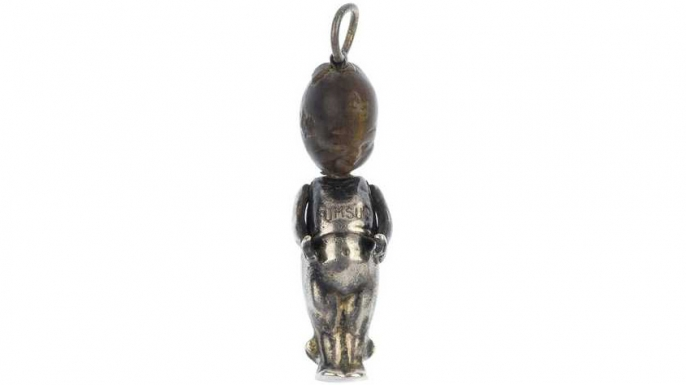 Fumsup charm. (Image courtesy of LiveAuctioneers.com Archive and Fellows)