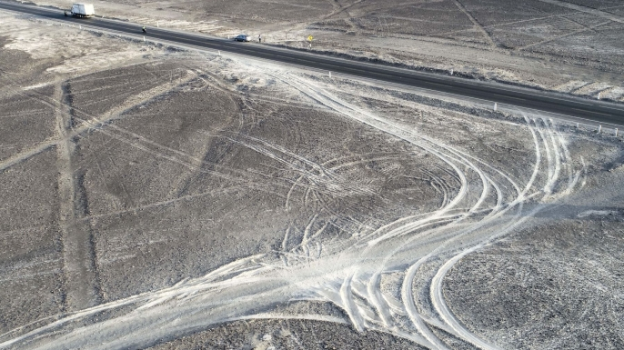 Damages caused to Nazca ancient site by a truck driver who entered in the protected zone trying to avoid a toll, in Nazca, Peru on 27 January 2018. (Credit: Genry Bautista/Agencia Andina HANDOUT/EPA-EFE/REX/Shutterstock)