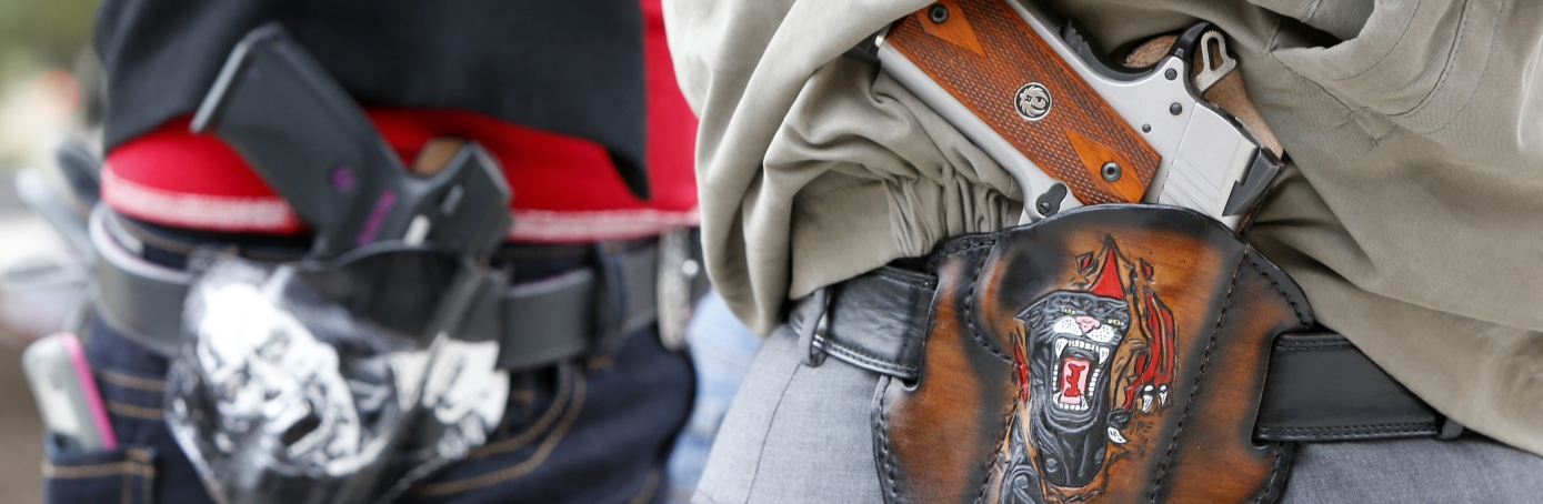 2nd Amendment activists at an open carry rally in Austin, Texas, 2016. (Credit: Erich Schlegel/Getty Images)