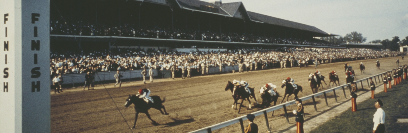 The finish of the Kentucky Derby at Churchill Downs in Louisville, Kentucky, circa 1960. (Credit: Archive Photos/Getty Images)