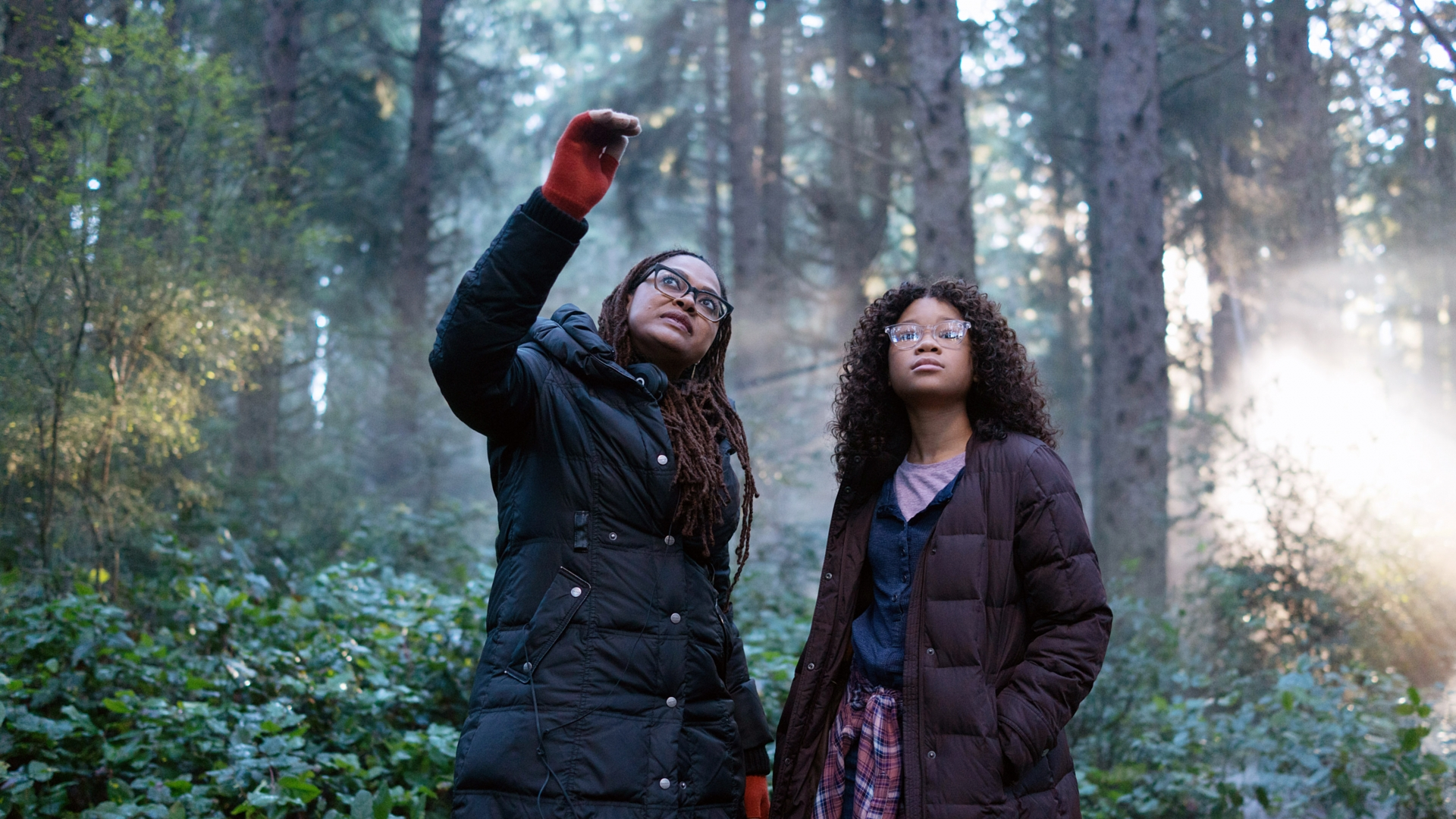 Director Ava DuVernay on set with Storm Reid who plays Meg. (Credit: Atsushi Nishijima/Walt Disney Studios Motion Pictures/Everett)
